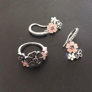 🌸Cute ring & earrings set🌸